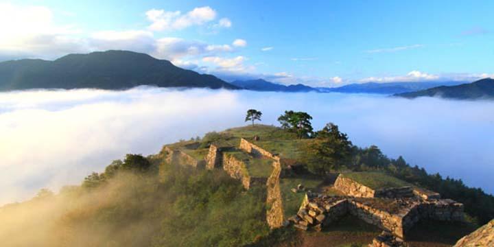 天空の城「竹田城」徹底ガイド!雲海はいつ見られる?準備は?周辺の観光情報もご紹介!
