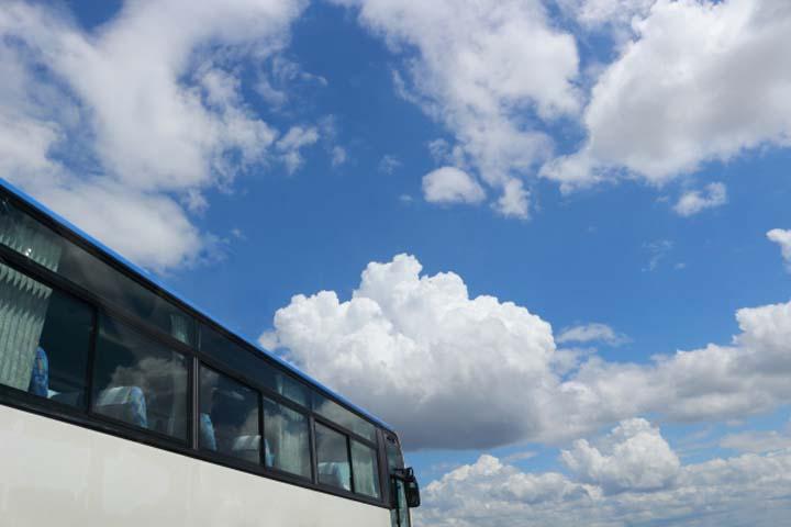 自分に合ったバスはどれ?高速バスの選び方ガイド