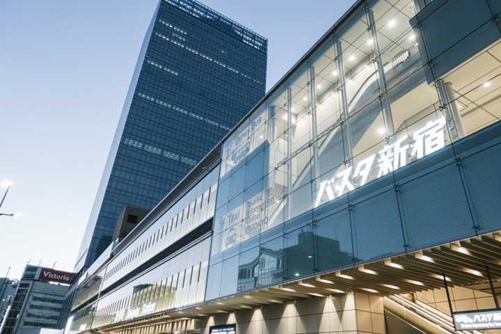 高速バスのりば「バスタ新宿」って?NEWomanや周辺のお店情報まで完全網羅!