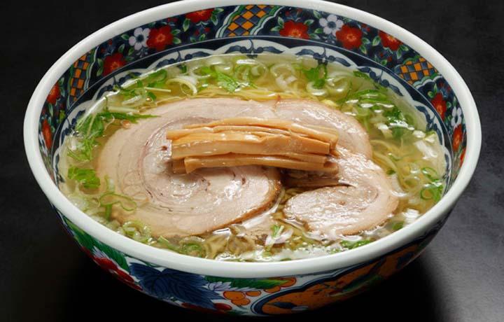 函館ラーメンのおすすめ人気店「函館麺厨房 あじさい」