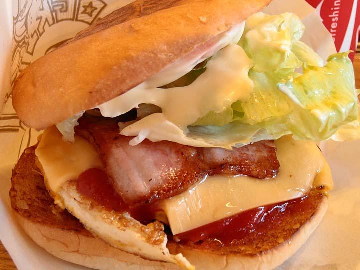 佐世保バーガーのおすすめ人気店「ログキット」
