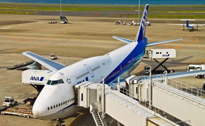 飛行機に乗るときのマナー!搭乗者全員が快適にフライトを楽しむためには?