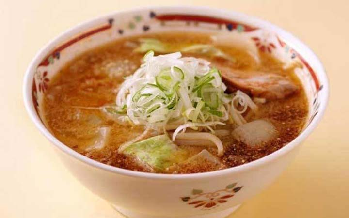 札幌ラーメンのおすすめ人気店「味噌ら~めん専門店 狼スープ」