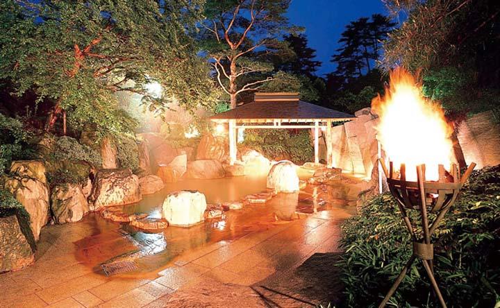 篝火の湯 緑水亭