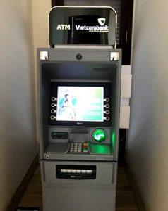 ダナン国際空港に到着してすぐに両替をしたい人は両替所またはATMで!