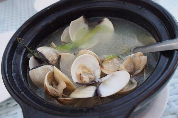 ダナンのレストラン「THE GARDEN」でオススメのハマグリのレモングラス蒸し